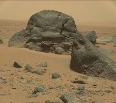 I really like these big Martian boulders that the Curiosity rover just saw (2/2)...