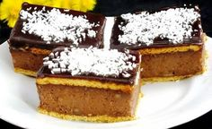 Levné delikátní krupicovky 32 kssušenky BEBE 1 lmléko 1 a 1/4 šálkudětská krupice 2 lžícekakao 1 šálekkr. cukr 1 bal.vanilkový cukr 250 gmáslo tmavá čokoláda - poleva kokos na posypání