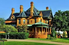 100's of Victorian Homes - http://pinterest.com/njestates/victorian-homes/ … Thanks to http://www.NJEstates.net/