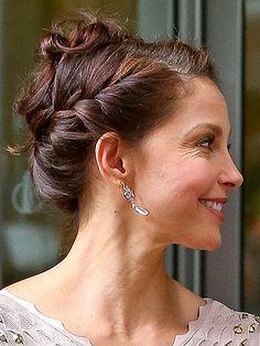 Ashley Judd Updo side 1