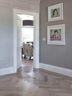 Love the floor design Hallway Colours, House Interior, Home, House Flooring, Grey Walls, Living Room Flooring, Herringbone Wood Floor, Hallway Designs, Hallway Flooring