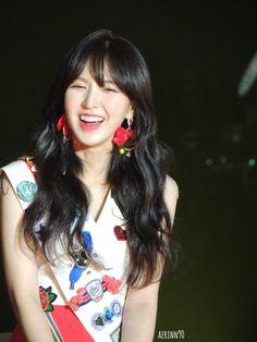 Kpop Girl Groups, Korean Girl Groups, Kpop Girls, Wendy Red Velvet, Red Velvet Irene, Seulgi, Girl Cakes, Cake Girls, Korean Bands