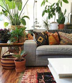 34 Modern Rustic Bohemian Living Room Design Ideas - interiör - Home Bohemian Living Rooms, Living Room Decor, Hippie Living Room, Living Room Remodel, Apartment Living, Home Design Decor, Interior Design, Design Ideas, Design Salon