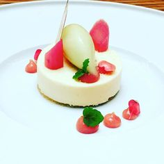For the dessert lovers ... rhubarb cheesecake with granny smith apple sorbet #whodoido #foodporn #foodpic #potd #foodie #foodieaddict #instapic #blogger #foodblogger #foodstagram #foodinsta #foodlover #foodiegram #foodnetwork #foodheaven #foodpassion #follow #instalike #instadaily