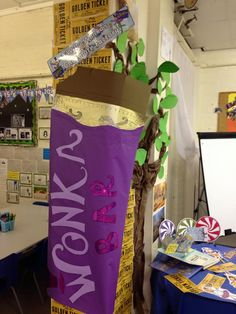 Wonderful Charlie & the Chocolate Factory  display complete with HUGE Wonka bar - twinkl