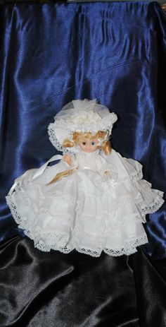 Check out this item in my Etsy shop https://www.etsy.com/listing/505367691/vintage-12-hand-made-southern-style-doll