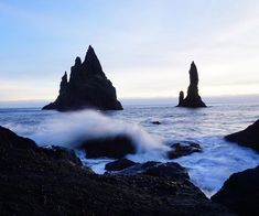 These Sea stacks used to be volcanic lava tubes that formed these awesome spires just off shore!   Made for some fun photography! •  •  •  •  •#nordicvisitor#openmyworld#outdoorwomen#passionpassport#radgirlscollective#reykjavik#theoutbound#theoutdoorfolk#thevi