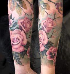 Again, the amount of skin coming through is good Tattoo Designs, Floral Tattoo Design, Tattoo Ideas, Great Tattoos, Beautiful Tattoos, Body Art Tattoos, Piercing Tattoo, Piercings, Rosa Tattoos