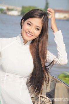 (Ngoisao.vn) – Vừa qua, nhân chuyến đi về miền Tây sông nước, Ninh Hoàng Ngân đã kịp ghi lại những khoảnh khắc đẹp ngọt, ...