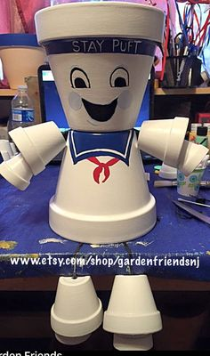 This Garden Friends listing is for one pot person, Stay Puft Marshmallow Man All our people are meticulously hand painted and sealed several times to withstand the weather. You can add character to your Pot Person with your favorite plant or flowers in the top as hair or you can fill the head with candy or gifts for that special someone. This is a great addition to any House as a decoration or to spruce up your garden or front lawn, also makes a very unique gift...Birthday, Graduation…