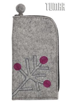 iPhone 6 cover. Felt: 100% felt. Machine assembly. Tambour embroidery. 8,5 х 16