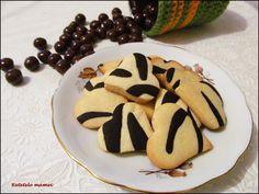 Fursecuri zebră Cookies, Desserts, Food, Crack Crackers, Tailgate Desserts, Deserts, Biscuits, Essen, Postres