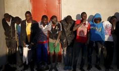 migranti-amnesty-rapporto-libia_Migranti africani in un centro della guardia costiera libica a Tripoli il 13 marzo scorso. - Goran Tomasevic, Reuters/Contrasto