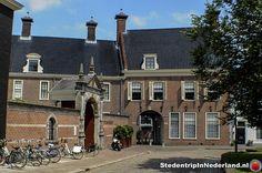 Naast de steden liggend aan de rivieren of de zee is ook Groningen lid van De Hanze, als voor 1463, dit heeft de stad welvarend gemaakt en werd het handelscentrum van Noord-Nederland.