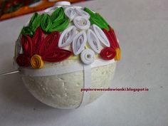 How to make a bauble on a Christmas tree-tutorial