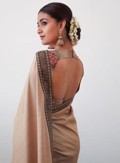 Top 30 Latest And Trendy Blouse Designs For Back Neck Here are the latest 30 blouse design for back neck that is impeccably immaculate and you can certainly opt for these or customize them as per your choice. Blouse Back Neck Designs, Silk Saree Blouse Designs, Fancy Blouse Designs, Blouse Patterns, Dress Designs, Saris, Sari Bluse, Lehenga Blouse, Stylish Blouse Design