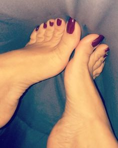 Hot Pink Toes, Foot Pictures, Beautiful Toes, Pedi, Instagram, Pretty, Nylons, High Heels, Socks