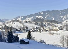 Überzeugen Sie sich selbst bei der Winterauszeit im Salzburger Land. Foto: Christoph Hettegger Snow, Outdoor, Pictures, Ski Trips, Winter Vacations, Ski, Time Out, Hiking, Outdoors