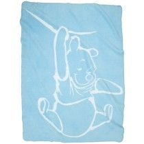 Dit mooie dekentje is van het merk Anel en hoort bij de collectie Silly Pooh Blue.Het dekentje is van 100 % katoen. De deken heeft een zachte kleur met een witte geweven afbeelding van Winnie the Pooh.
