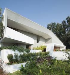 Casa Pátio / Architecture Paradigm