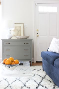 If you've had a living room where the front door opens into it,you can appreciate the struggle of trying to decorate it.You want to create an entryway so guests...