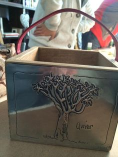 Latonagem Made at The Pewter Room by Marietjie The Pewter Room Pewter Art, Pewter Metal, Tin Foil Art, Metal Worx, Metal Embossing, Arts And Crafts, Diy Crafts, Art N Craft, Metal Crafts