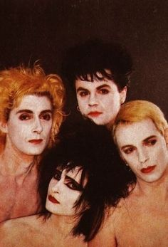 Siouxsie Sioux never met her Siouxsie Sioux, Siouxsie & The Banshees, Beatles, Gothic Rock, Gothic Bands, 80 Bands, 80s Goth, Pop Musicians, Black Planet
