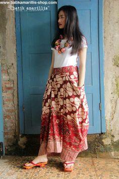 Batik Amarillis Made In Indonesia Bohemian summer skirt in reproduction of old pattern Batik Banyumas-Indonesia