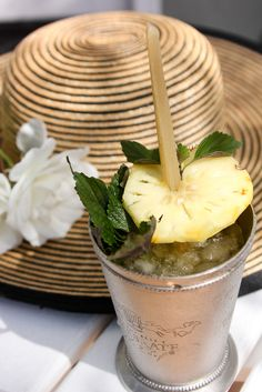 Celebrate Derby Day all year with a classic Mint Julep recipe, add a tropical twist with pineapple and raw cane sugar sticks. Southern Charm, Southern Belle, Southern Living, Southern Comfort, Southern Cottage, Classic Mint Julep Recipe, Sugar Sticks, Derby Day, Gastronomia