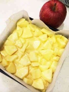 A simple apple cake - 料理 - Raw Food Asian Desserts, Köstliche Desserts, Sweets Recipes, Raw Food Recipes, Delicious Desserts, Snack Recipes, Cooking Recipes, Yummy Food, Sweets Cake