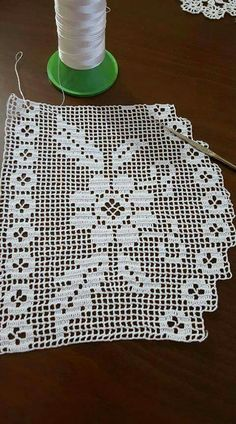 This Pin was discovered by Hül Crochet Edging Patterns, Filet Crochet Charts, Crochet Lace Edging, Crochet Borders, Crochet Cross, Doily Patterns, Cotton Crochet, Thread Crochet, Crochet Doilies