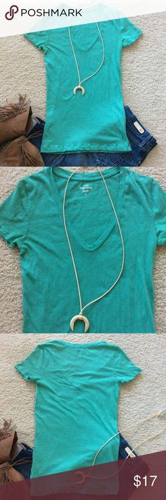 """J. Crew Vintage Cotton Tee J. Crew Vintage Cotton Tee. Green color. Short sleeves. V neck. Laying flat approx 26.5"""" shoulder to hem, approx 15"""" pit to pit. 100% cotton. Size XS. Excellent condition. #716 J. Crew Tops Tees - Short Sleeve"""