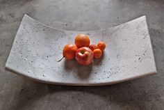 Items similar to Curved Concrete Fruit Bowl or Tray on Etsy #concrete #bowl #fruit #beton #obstschale
