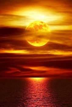 Moonlight Reflections La Jolla, California ~ Photography by Peter Lik * This looks more like a sunset to me* pa Beautiful Moon, Beautiful World, Simply Beautiful, Beautiful Castles, Beautiful Places, Stars Night, Cool Pictures, Beautiful Pictures, Amazing Photos