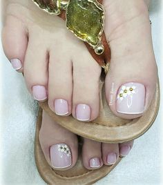 Pretty Toe Nails, Cute Toe Nails, Pretty Toes, Cute Acrylic Nails, Lace Nail Art, Lace Nails, Flower Nails, Toe Polish, Feet Nails