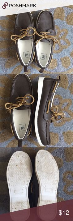 Gap Kids Boat Shoes Size 4 Gap Kids Boat Shoes Size 4 Wore once for Easter  No trades please Smoke and pet free home GAP Kids Shoes