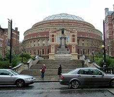 The Royal Albert Hall--I have to see a concert here Places In England, Kensington London, London Landmarks, Royal Albert Hall, Ballrooms, England Uk, Jurassic Park, Great Britain, Postcards