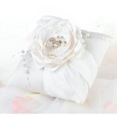 Chic & Shabby Ring Pillow