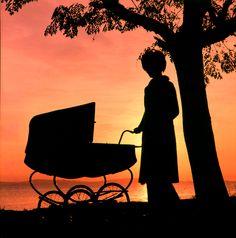 Mãe passeando Bebe, por de sol Lago Guaíba - Porto Alegre - RGS