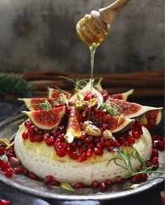 Brietårta med granatäpple