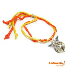 love, peace and happiness samaki originals #Engelruferarmband mit #Seide http://www.samakishop.com/epages/61220405.sf/de_DE/?ObjectID=1698899&ViewAction=FacetedSearchProducts&SearchString=love+peace