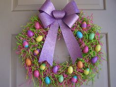 Thinking about DIY Easter Wreaths for front door? Here's the cutest and easiest Easter Wreath DIY & Easter door decoration ideas for you. Easter Crafts For Adults, Easter Projects, Easter Crafts For Kids, Crafts To Do, Easter Ideas, Wreath Crafts, Diy Wreath, Wreath Ideas, Boxwood Wreath