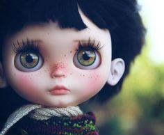 (Taradolls, Un Monde de Poupées) Tags: art bigeyes doll ooak blythe custom taradolls