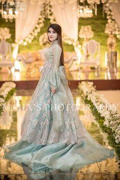 Pakistani Wedding Outfits New Gorgeous Pakistani Bridal Party Wear In 2019 Bridal Mehndi Dresses, Walima Dress, Shadi Dresses, Pakistani Formal Dresses, Pakistani Clothing, Pakistani Suits, Pakistani Fashion Party Wear, Pakistani Wedding Outfits, Pakistani Dress Design