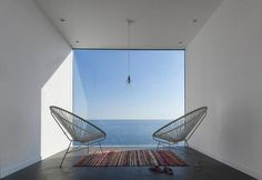 weekend-house-in-spain-acapulco-chairs