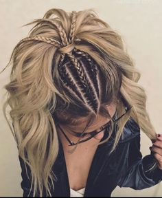 Long hairstyles for the most romantic day in the year should mirror romantic vibes. Our ideas will make your bae drooling all over you. Braided Hairstyles: Long hairstyles for the most romantic day in the y. Curly Hair Styles, Natural Hair Styles, Updo Styles, Ponytail Styles, Long Hair Models, Easy Hairstyles, Bohemian Hairstyles, Hairstyle Ideas, Cornrow Hairstyles White