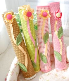 puxador de geladeira Crochet Crafts, Sewing Crafts, Sewing Projects, Fridge Handle Covers, Diy Arts And Crafts, Diy Crafts, Quilted Potholders, Diy Ribbon, Patch Quilt