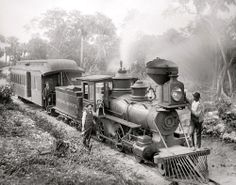 OLD FLORIDA RAILROAD PHOTO 1897 STEAM COAL TRAINS LOCOMOTIVES ENGINEER CONDUCTOR
