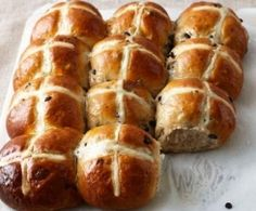 The Best Hot Cross Bun Recipe This recipe makes a dozen and is best enjoyed with a cup of tea. Jamie's Recipes, Easter Recipes, Sweet Recipes, Cooking Recipes, Bread Recipes, Copycat Recipes, Delicious Recipes, Holiday Recipes, Healthy Recipes