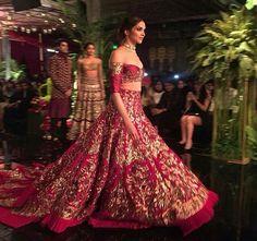 Deepika Padukone for Manish Malhotra at India Couture Week Indian Bridal Lehenga, Pakistani Wedding Dresses, Indian Wedding Outfits, Indian Dresses, Indian Outfits, Wedding Hijab, Bridal Outfits, Bridal Dresses, Deepika Padukone